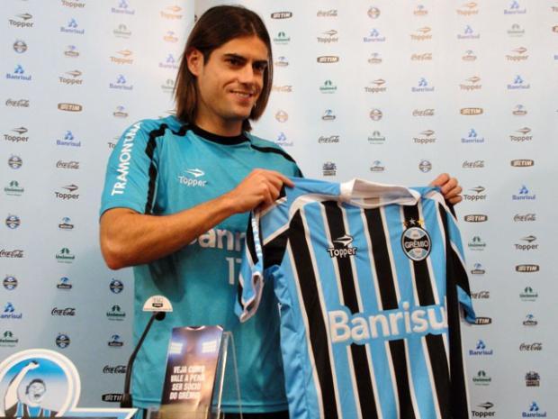 Em sua apresentação, Miralles ressalta presença do técnico Renato no Grêmio Tatiana Lopes/