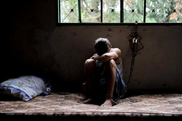 Família acorrenta jovem para livrá-lo do crack em Porto Alegre Carlos Macedo/Especial
