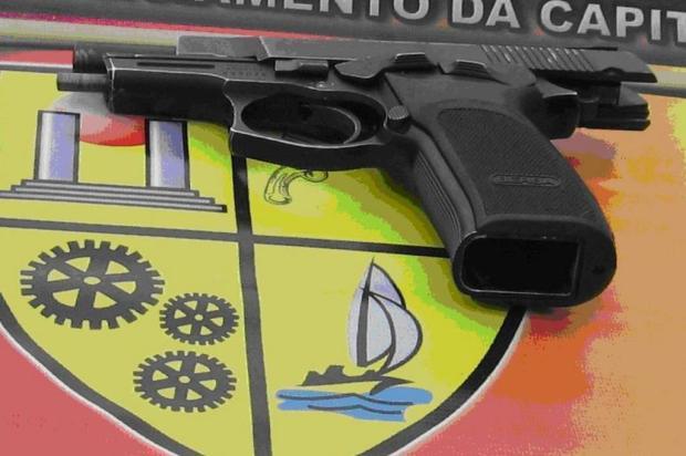 BM apreende arma em mochila de aluno no Bairro Belém Velho divulgação/Brigada Militar/Divulgação