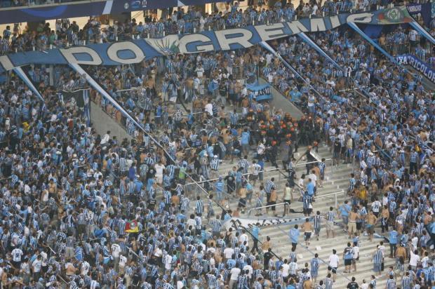 Torcedores da Geral brigam em festa de inauguração da Arena Félix Zucco/Agencia RBS