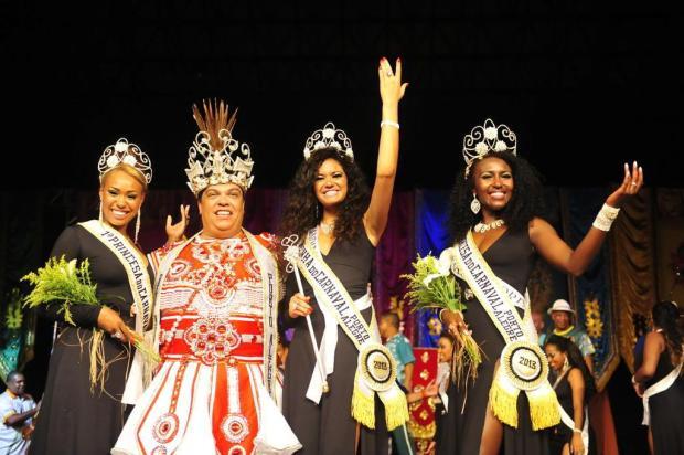 Candidata da Filhos da Candinha é eleita Rainha do Carnaval de Porto Alegre Luiz Armando Vaz/Agência RBS