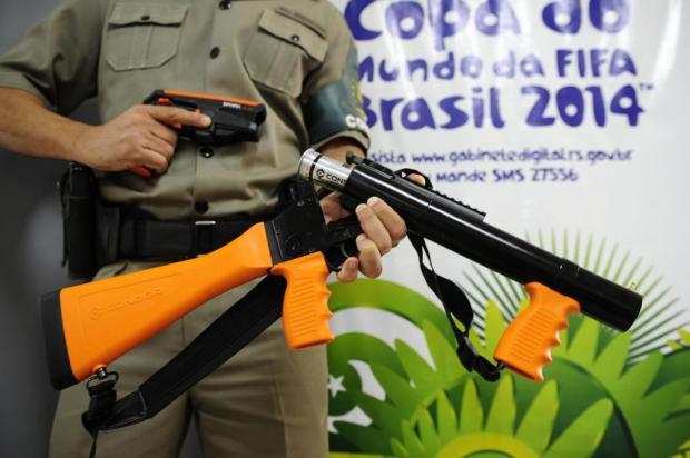 Polícias estaduais recebem kits de armas não letais para dispersão de tumultos Ronaldo Bernardi/Agencia RBS