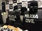 Traficantes presos em Alvorada possuíam roupas táticas da Polícia Civil Polícia Civil/Divulgação