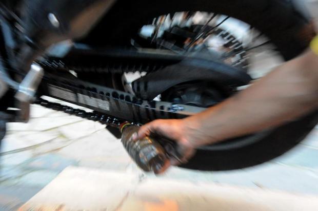 Não deixe a corrente da moto secar Luiz Armando Vaz/Agencia RBS
