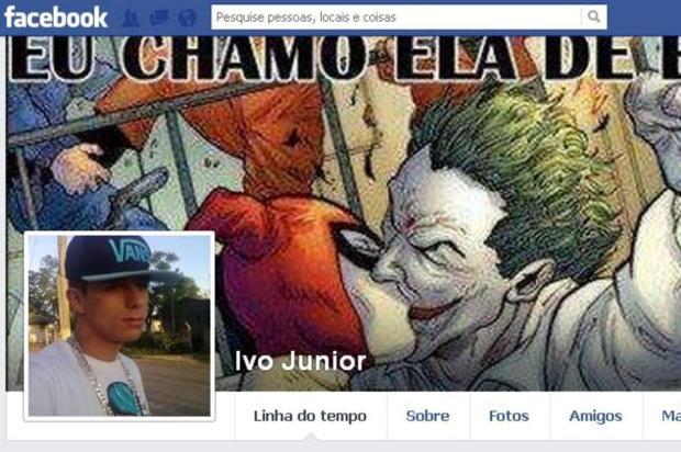 Detento faz publicações no Facebook sobre vida no Presídio Central Reprodução/Facebook