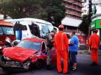 Colisão entre caminhonete e táxi deixa taxista ferido em Porto Alegre Felipe Daroit/Agencia RBS