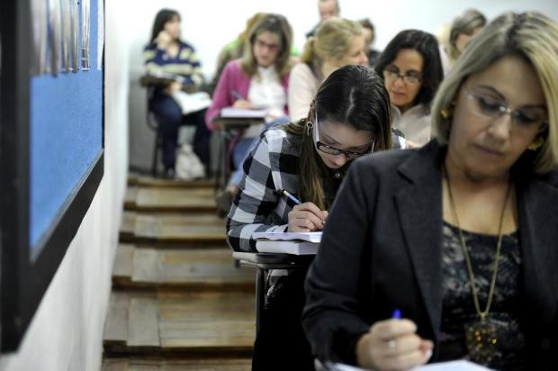 Salários chegam a R$ 5,9 mil em concurso na Serra; veja outras seleções abertas no Estado Félix Zucco/Agencia RBS