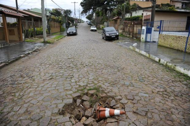 Moradores relatam rotina de medo em rua do Bairro Espírito Santo, Zona Sul da Capital Marcelo Oliveira/Agencia RBS