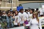Mais de 400 jovens participam de caminhada pela paz no Centro de Gravataí Bruno Alencastro/Agencia RBS
