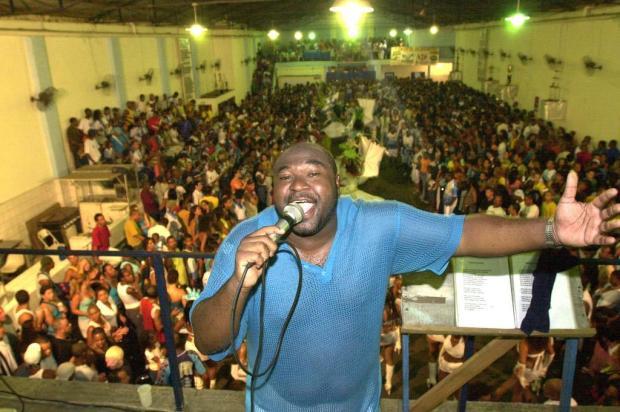 Morre o intérprete de sambas-enredo Gilson Dornelles Luiz Armando Vaz/Agencia RBS