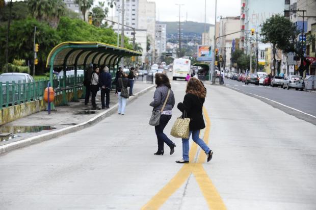 Desatenção de pedestres e motoristas dividem a culpa das mortes no trânsito Ronaldo Bernardi/Agencia RBS