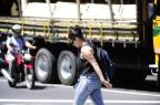 Usar fones de ouvido na rua pode aumentar riscos de atropelamento Ronaldo Bernardi/Agencia RBS