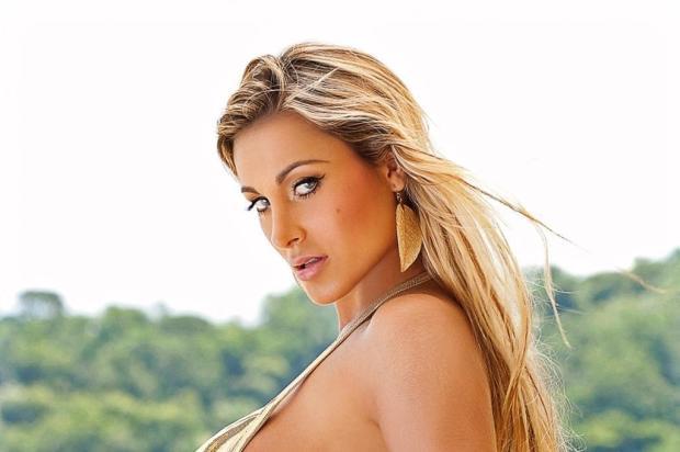 Andressa Urach deve receber alta no início de 2015 Felipe Lessa/Revista Sexy