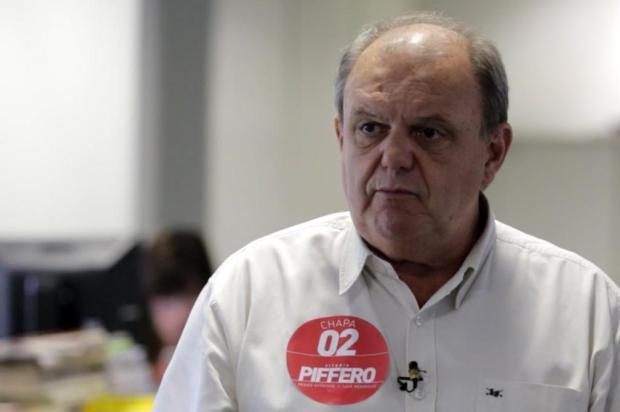1de629c4c6555 Vitorio Piffero