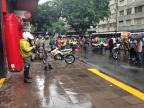 Homem reage, troca tiros com a BM e é ferido no centro de Porto Alegre Matheus Schuch / Rádio Gaúcha/