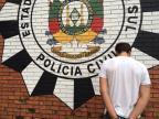 Jovem é preso com mais de mil doses de LSD em Porto Alegre Polícia Civil/divulgação