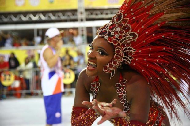 Como foi o primeiro dia de desfiles do Carnaval de Porto Alegre Carlos Macedo/Agência RBS