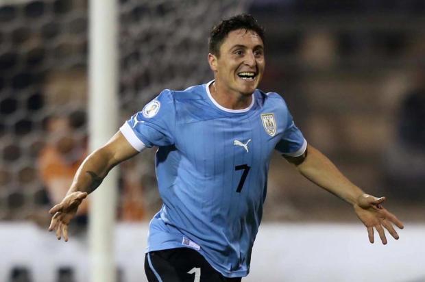 Grêmio oficializa contratação de Cristian Rodríguez; uruguaio chega nesta terça STR/AFP
