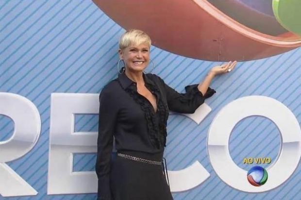 Xuxa é recebida com tapete vermelho na Record Rede Record/Reprodução