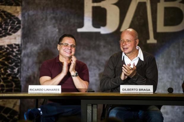 """Autor fala sobre beijo gay em Babilônia: """"Não é feito para chocar. É natural num casal"""" João Miguel Júnior/TV Globo/Divulgação"""