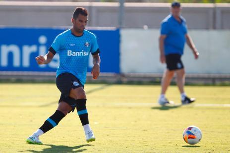 """Maicon defende volantes com qualidade: """"Não sou pitbull""""  (Lucas Uebel/Grêmio, Divulgação)"""