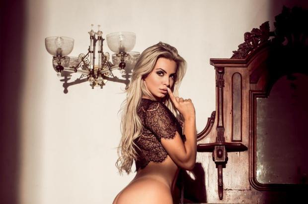 Veridiana Freitas ama ficar nua para o povo ver! Fred Othero/Revista Playboy