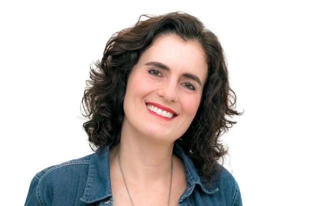Magali Moraes escreve sobre as alças que só existem em roupa de mulher  Miguel Neves/Divulgação