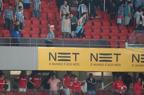 Grêmio e Inter são denunciados por problemas no Gre-Nal 406 (Diego Vara/Agencia RBS)