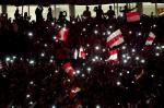 Torcida do Inter ilumina o Beira-Rio após a vitória sobre o Atlético-MG