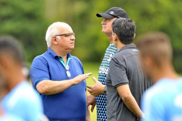 Coluna do Cacalo: muitas reuniões no Grêmio