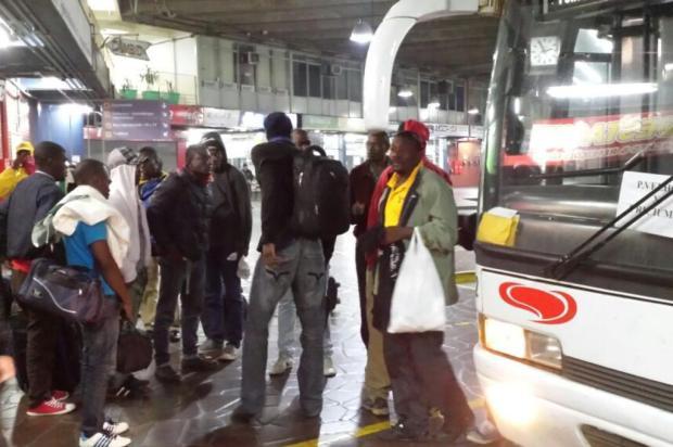 Ônibus com 28 imigrantes haitianos chega a Porto Alegre  Divulgação/Secretaria Municipal de Direitos Humanos