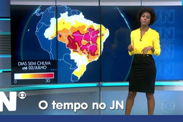 Maria Júlia Coutinho é alvo de comentários racistas no Facebook Facebook/Reprodução