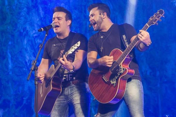Sertanejo domina premiação de músicas mais ouvidas na internet