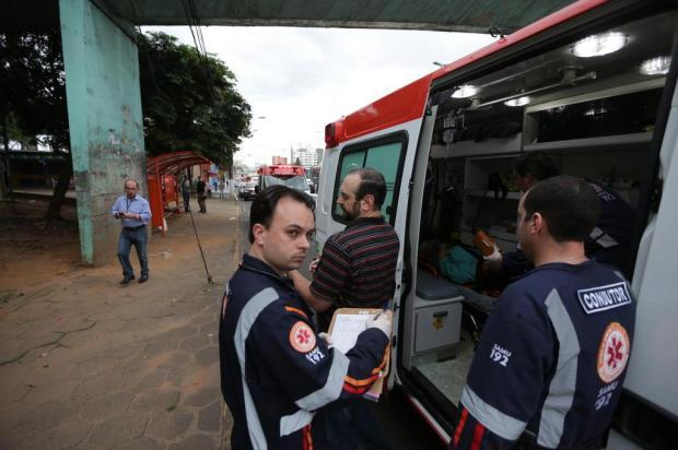 Mulher morre vítima de bala perdida em parada de ônibus em Canoas DIEGO VARA/Agencia RBS