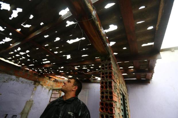 Morador de Canoas abrigou-se dentro do roupeiro para fugir do granizo Félix Zucco/Agencia RBS