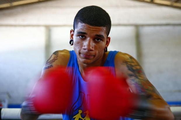 Ex-morador de rua, adolescente se torna bicampeão gaúcho de boxe Félix Zucco/Agencia RBS