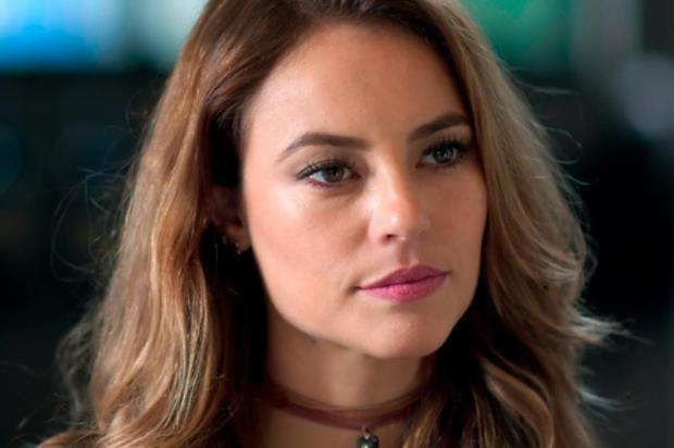 Além do Tempo: Melissa fala mal de Lívia para Felipe TV Globo/Reprodução