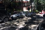 Carros atingidos por cimento em Porto Alegre