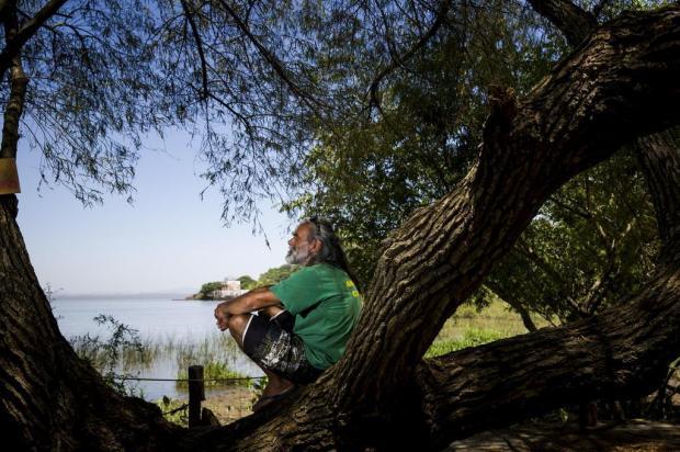 Pescador de Porto Alegre cria projeto que ensina às crianças a importância do amor pela natureza Mateus Bruxel/Agencia RBS