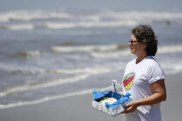 Oferenda ecológica é opção para quem não quer poluir as águas. Aprenda a fazer Mateus Bruxel/Agencia RBS
