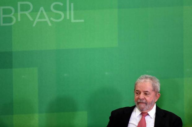 Áudios divulgados pela PF sugerem que Lula e filhos controlavam acesso ao sítio de Atibaia EVARISTO SA/AFP