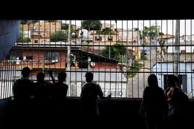 """""""Tiro, porrada e bomba"""": a rotina na escola sitiada pelo tráfico na Capital Mateus Bruxel/Agencia RBS"""