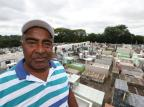 """As histórias de um homem que trabalha como coveiro há 30 anos: """"Fui ficando e gostando do serviço"""" Tadeu Vilani/Agencia RBS"""