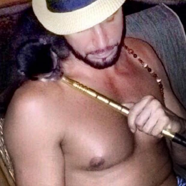 """Ibama vai responsabilizar Latino por foto de macaco """"fumando"""" Reprodução / Instagram/Instagram"""