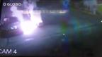 VÍDEO: assaltante pega fogo em posto de gasolina após reação de frentista Reprodução / YouTube/YouTube