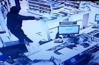 VÍDEO mostra assalto a farmácia que terminou com morte de vigilante na Zona Sul Reprodução/
