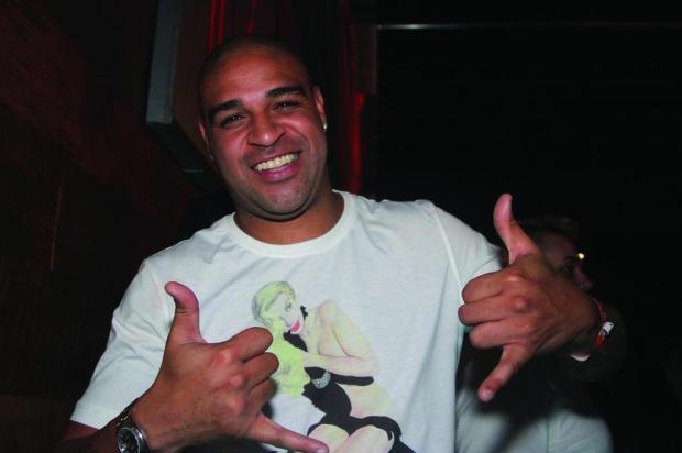 """Cacalo: """"Uma pulga atrás da orelha com Adriano"""" Thiago Duran/AG News"""