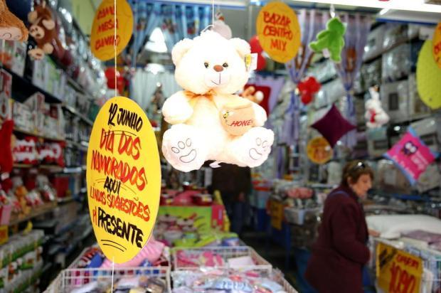 Dia dos namorados: corrida atrás do presente ideal para agradar o seu amor Fernando Gomes/Agencia RBS