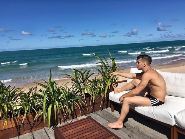 """Após acusação de assédio e acidente de trânsito, Biel posta foto em praia: """"reenergizando"""" Reprodução / Instagram/Instagram"""