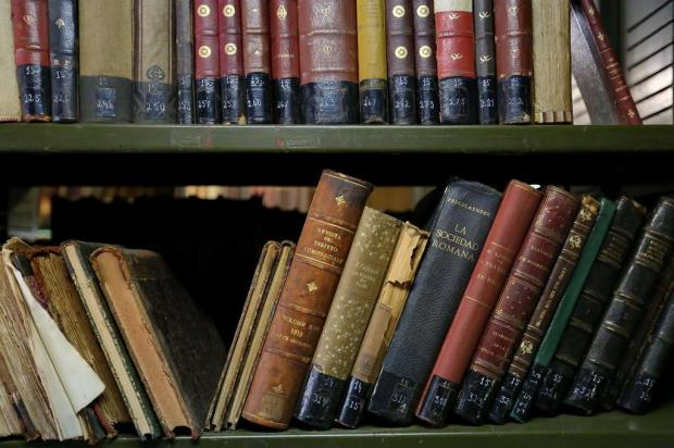 Conheça 10 bibliotecas para ler e tirar livros de graça em Porto Alegre Bruno Alencastro/Agencia RBS